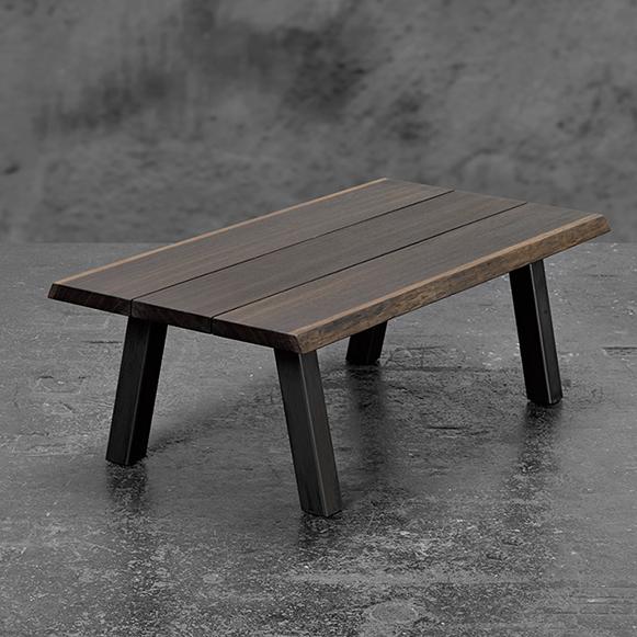 Eg_røget_bord